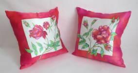 декоративные диванные подушки батик Красные розы