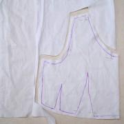 вырезание выкройки из ткани