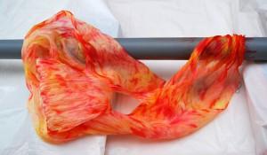 акриловые краски для батика, батик на трубе, Осадченко Надежда, араши, шелковая ткань, шарф , туаль, батик, шёлковые шарф,